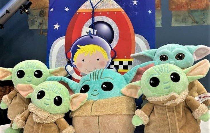 Космические игрушки отправились в Детскую больницу